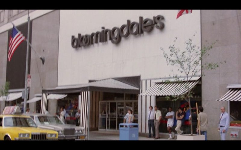 Bloomingdale's Store – Moscow on the Hudson (1984) Movie Product Placement