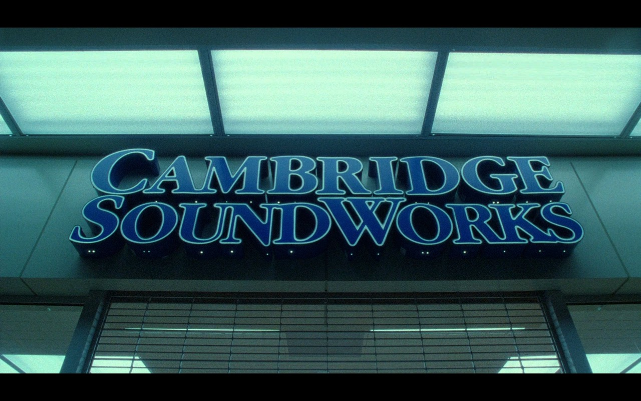 Cambridge SoundWorks – The Terminal (2004) - Movie Product Placement
