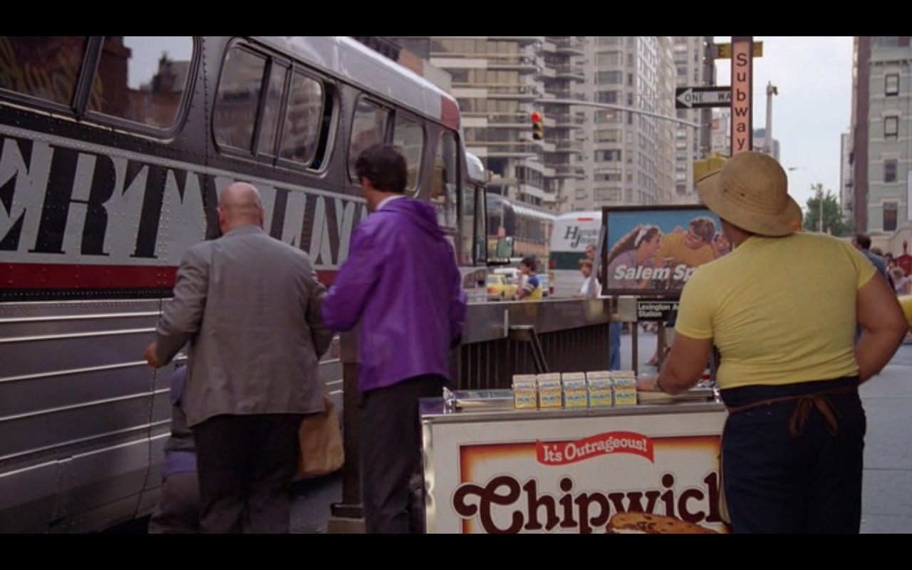 Chipwich Ice Cream – Moscow on the Hudson (1984) Movie Product Placement