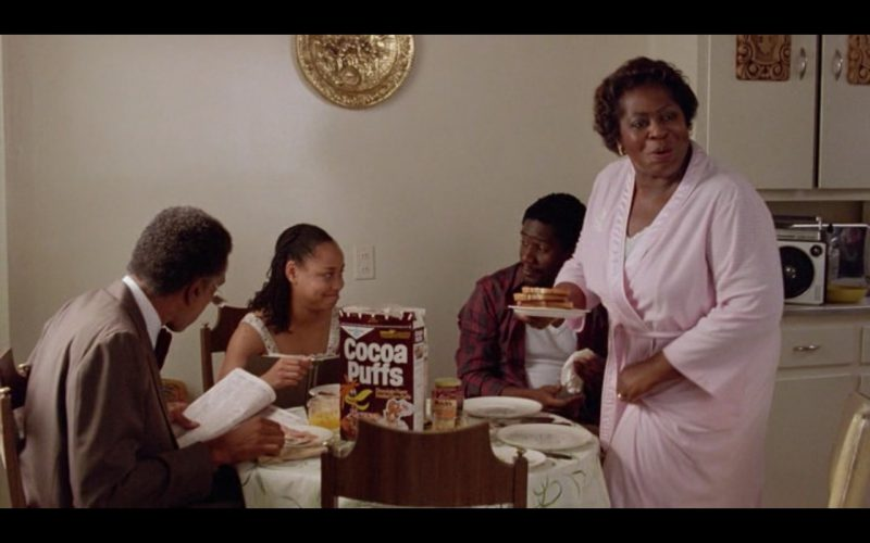 Cocoa Puffs – Moscow on the Hudson (1984) Movie Product Placement