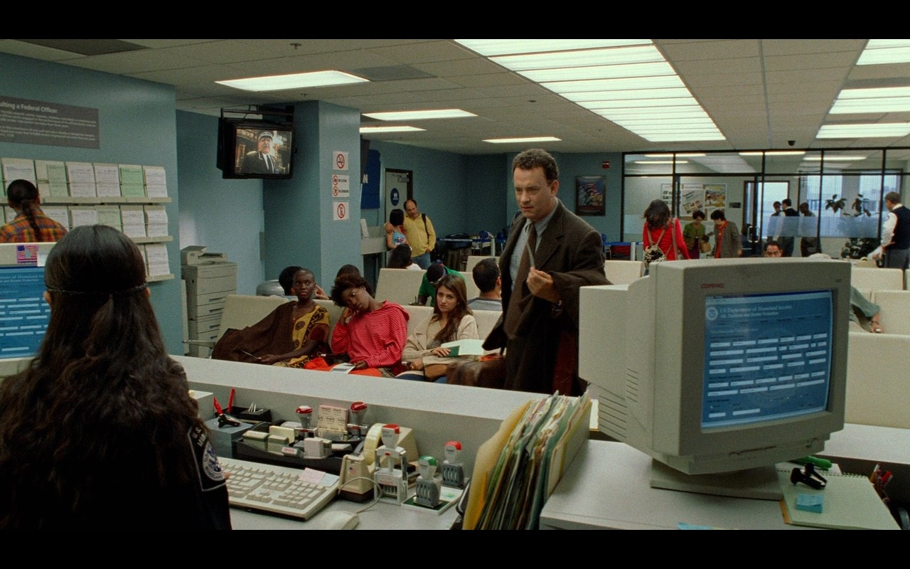Compaq Monitor – The Terminal (2004) Movie Product Placement
