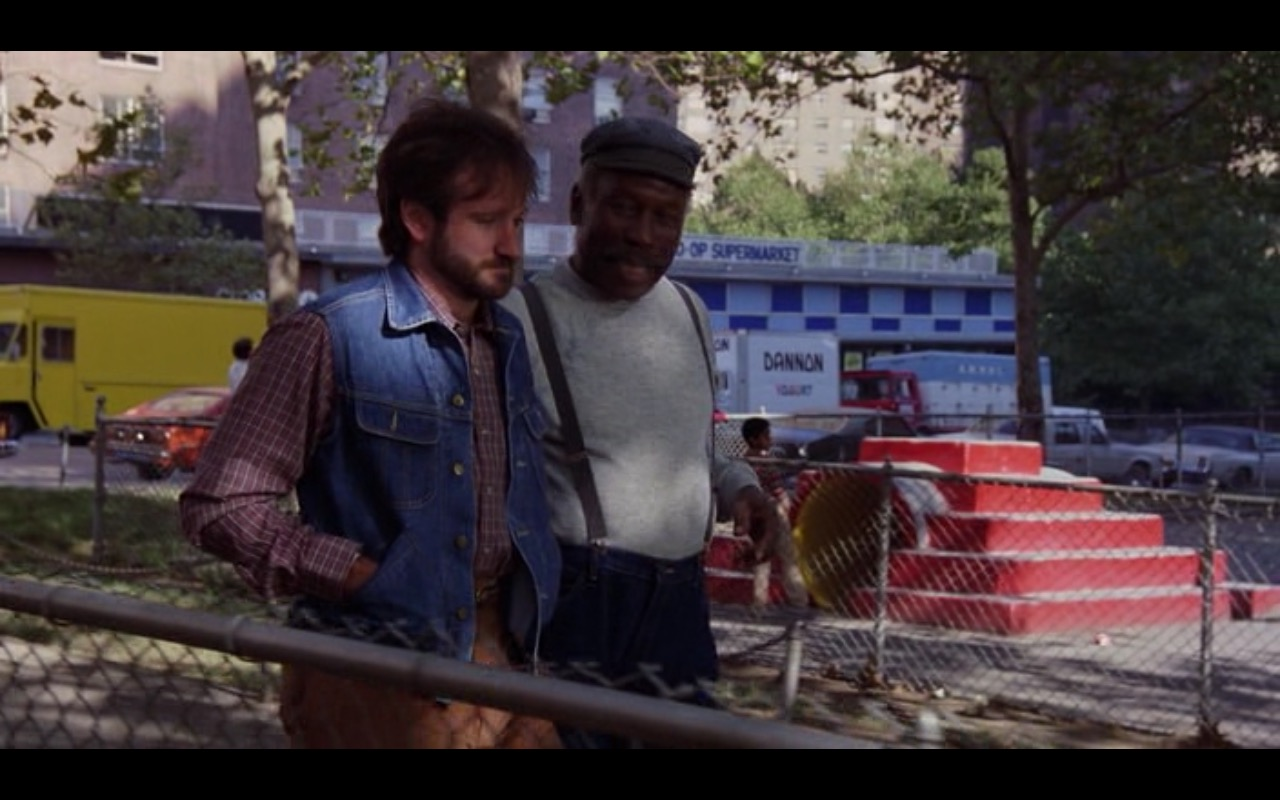 Dannon – Moscow on the Hudson (1984) Movie Product Placement