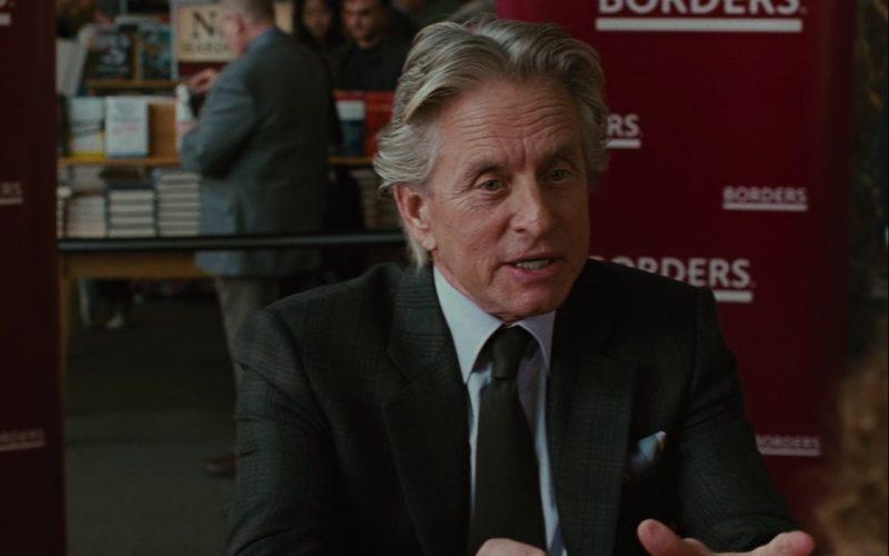 Gordon Gekko in Borders Bookstore - Wall Street: Money Never Sleeps (2010) Movie Product Placement