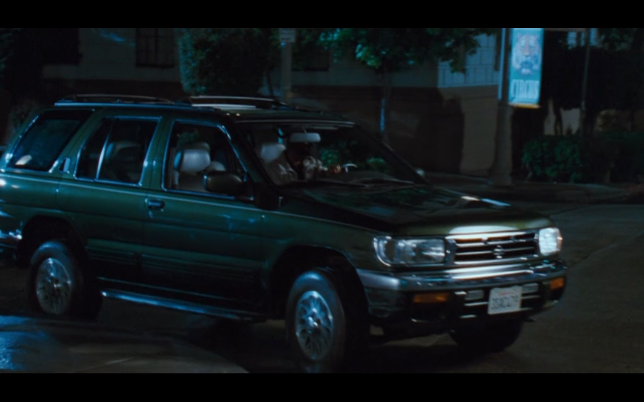 Green Nissan Pathfinder – Doctor Dolittle (1998) Movie Product Placement
