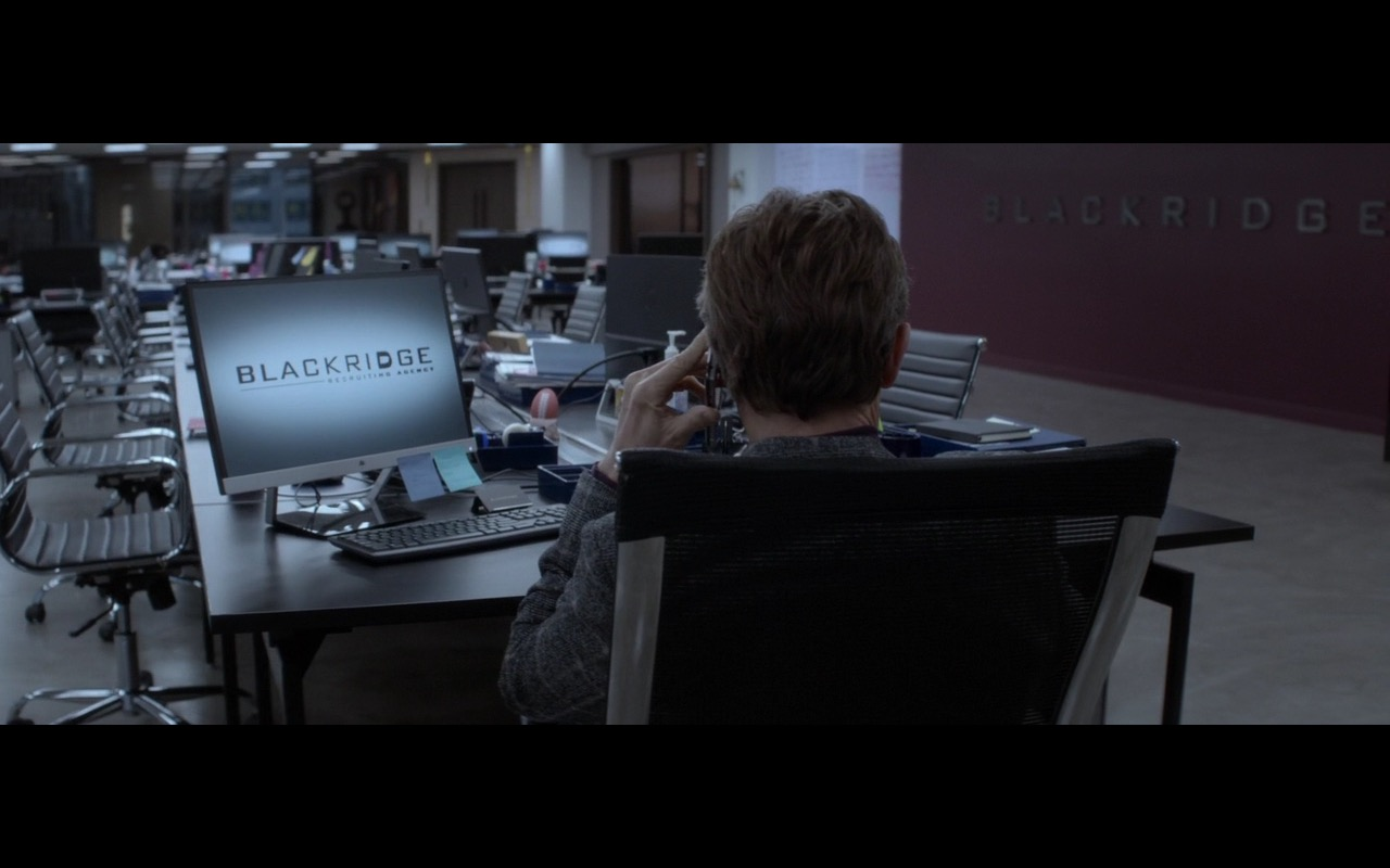 HP Monitors – A Family Man (2016) Movie Product Placement