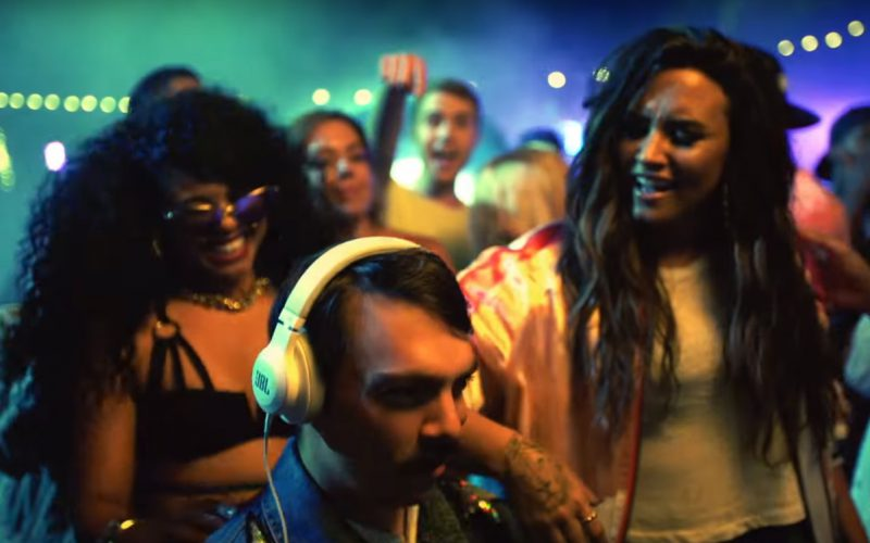 JBL Headphones – Demi Lovato – Sorry Not Sorry (1)