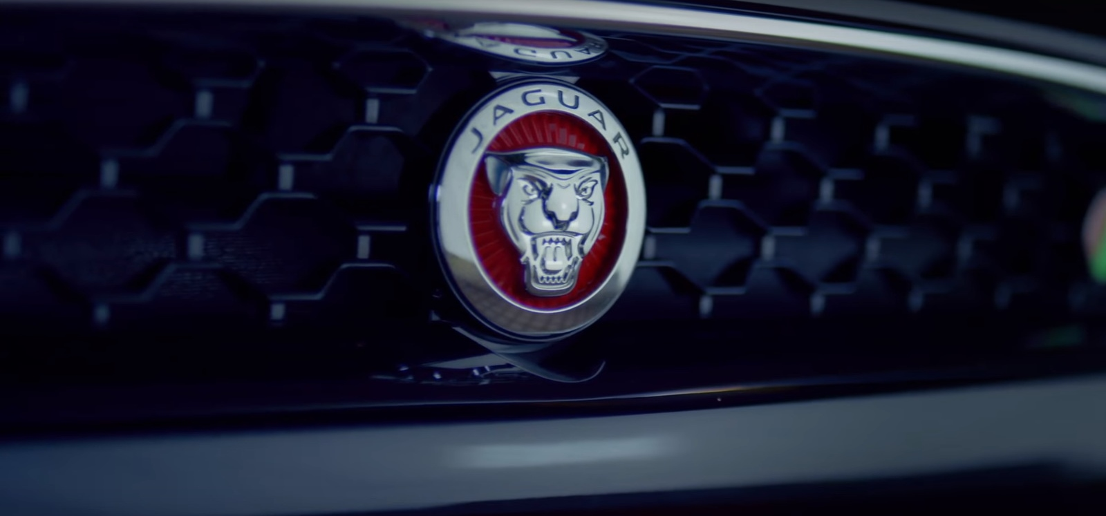 Jaguar F-Type R - Demi Lovato - Sorry Not Sorry Official Music Video Product Placement