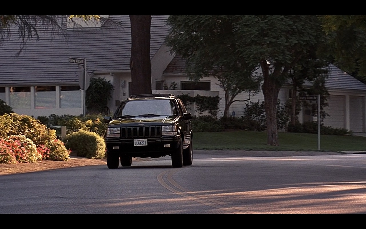 Jeep Grand Cherokee - Liar Liar (1997) Movie Product Placement