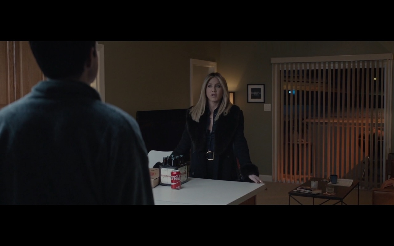 Jennifer Aniston and Coca-Cola – Office Christmas Party (2016) Movie Product Placement