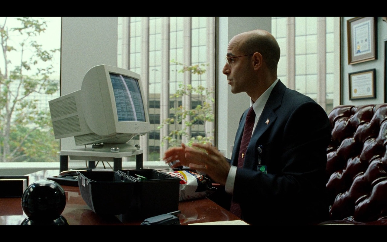 Lay's Chips And Dell Monitor – The Terminal (2004) Movie Product Placement