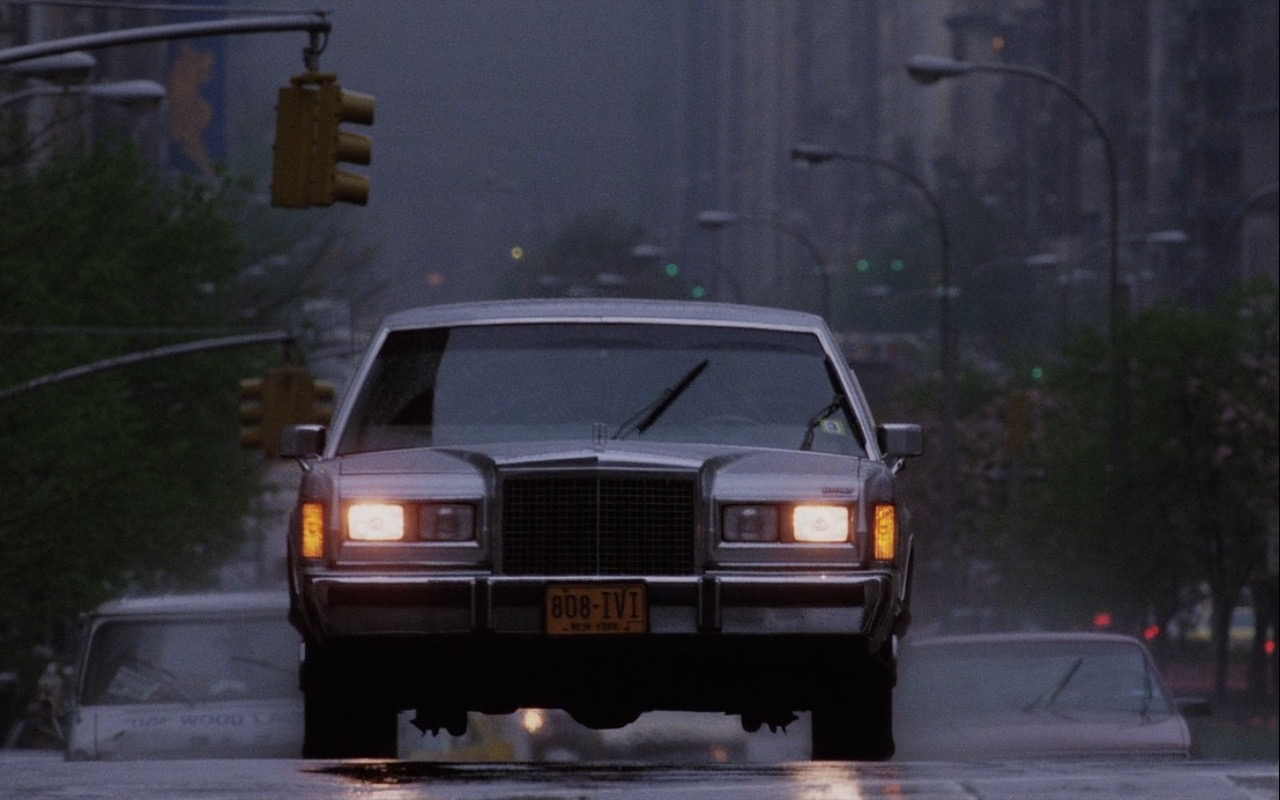 Lincoln Town Car (Stretched Limousine) - Wall Street (1987) Movie Product Placement