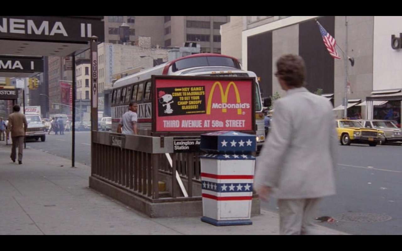 McDonald's – Moscow on the Hudson (1984) Movie Product Placement