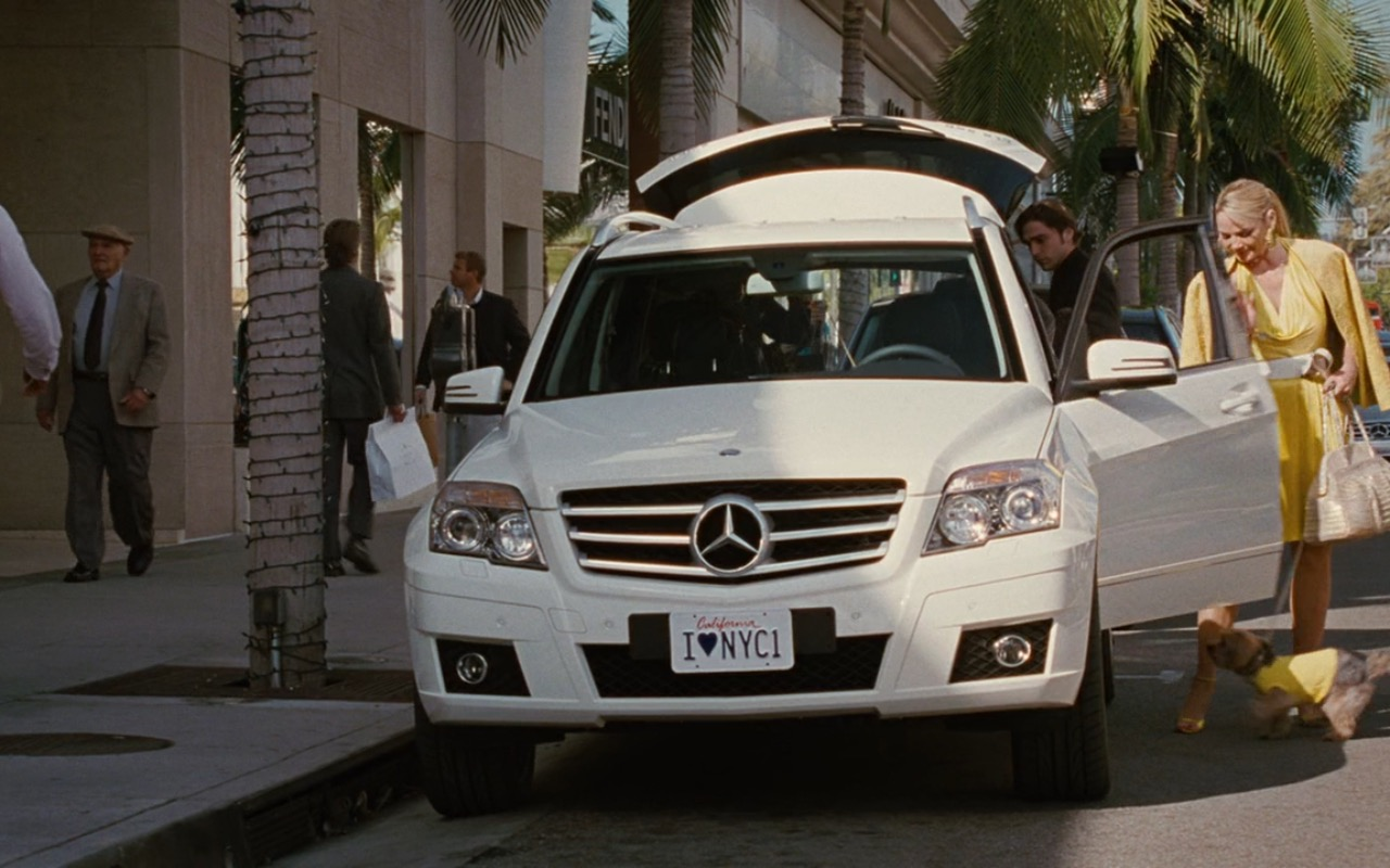 White Mercedes-Benz GLK 350 Car - Sex and the City (2008) Movie Product Placement