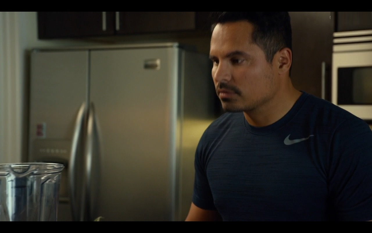 Michael Peña And Nike T-Shirt – CHIPS (2017) - Movie Product Placement