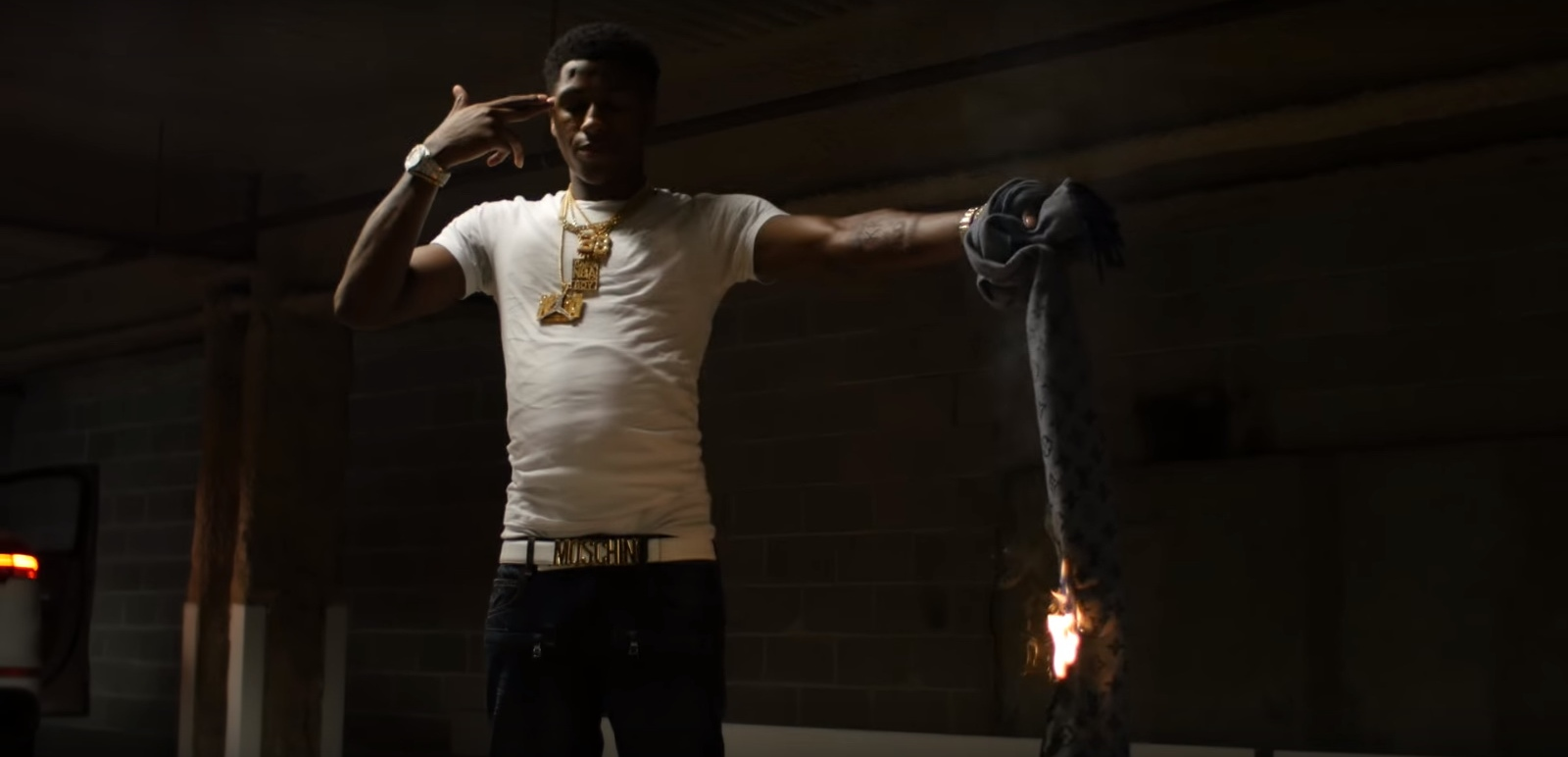 Moschino Belt and Louis Vuitton Men's Scarf – YoungBoy Never Broke Again – Graffiti (2017) Official Music Video Product Placement