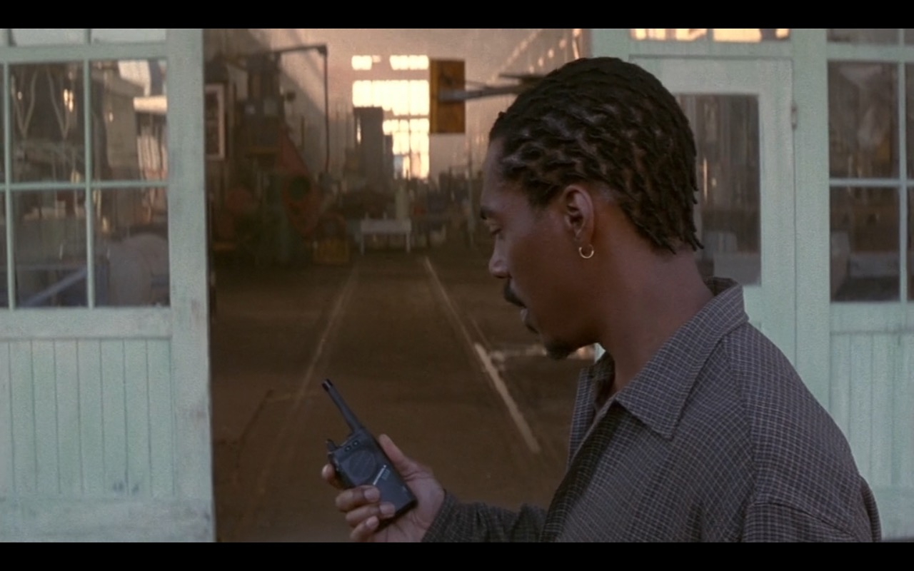 Motorola – Metro (1997) Movie Product Placement