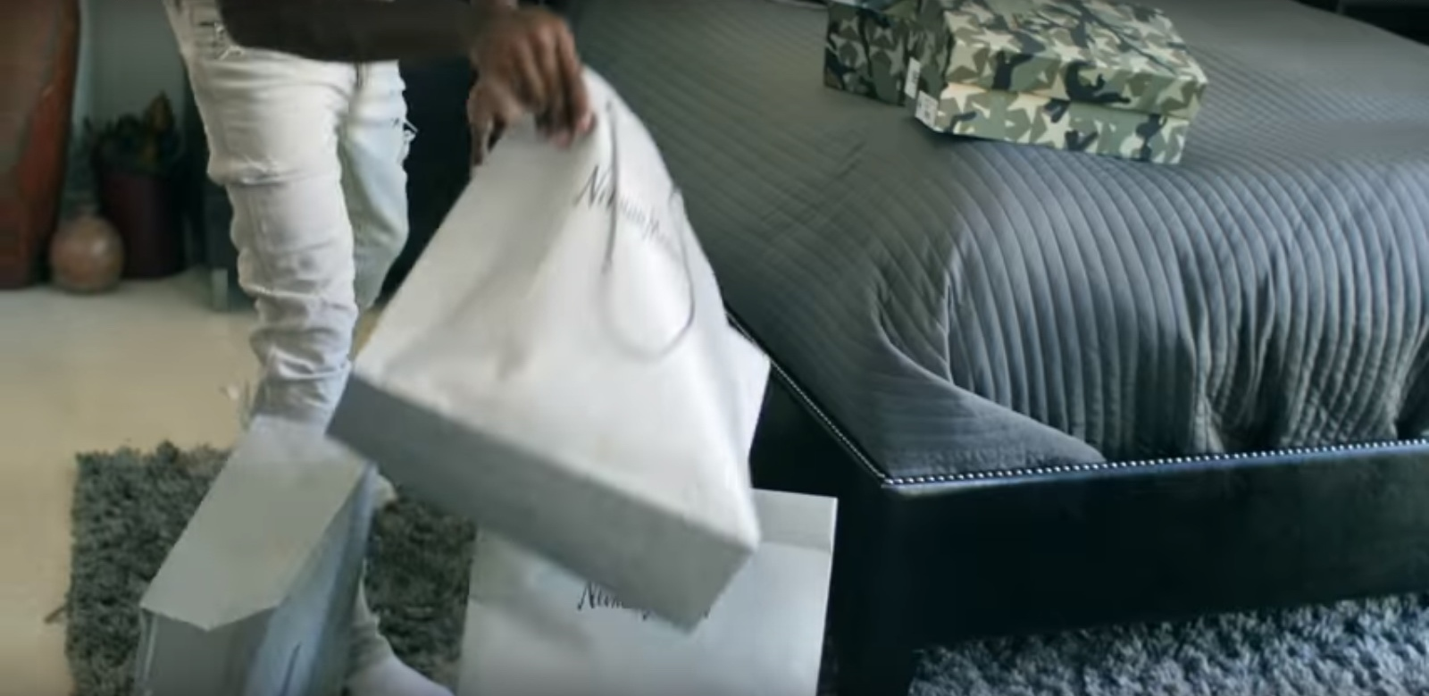 Neiman Marcus – 41 – YoungBoy Never Broke Again (2017) Official Music Video Product Placement