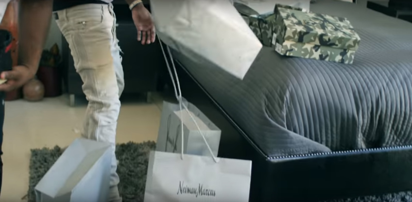 Neiman Marcus – 41 – YoungBoy Never Broke Again (2017) - Official Music Video Product Placement