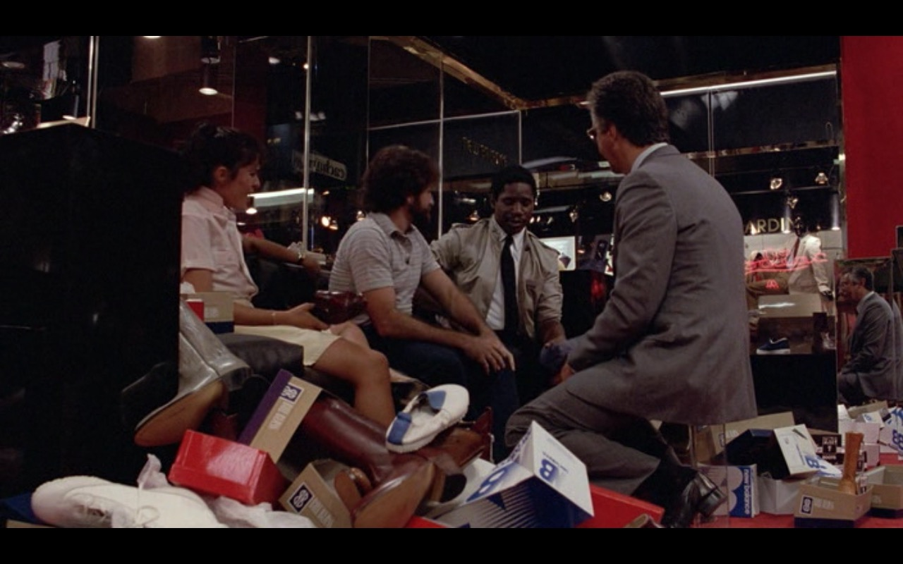 New Balance Shoes – Moscow on the Hudson (1984) - Movie Product Placement