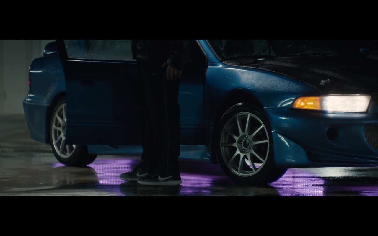 Nike Sneakers – Office Christmas Party (2016) Movie Product Placement
