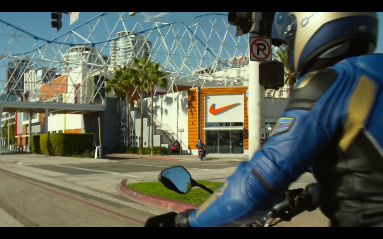 Nike Store – CHIPS (2017) Movie Product Placement