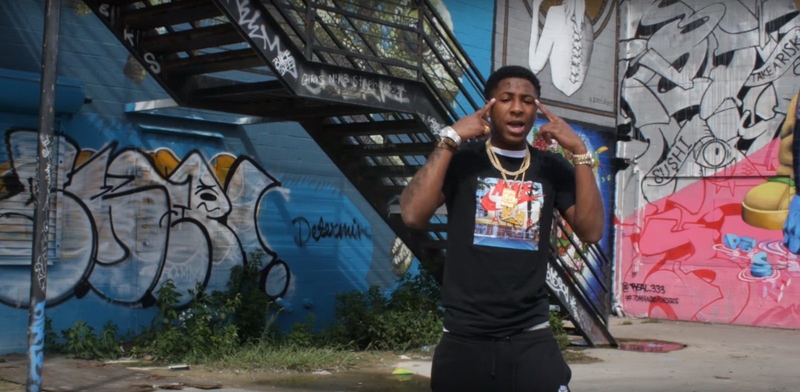 Nike T-Shirt And Sweatpants - YoungBoy Never Broke Again - Graffiti (2017) Official Music Video Product Placement