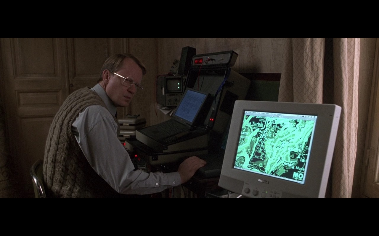 Nokia GPS Monitor – Ronin (1998) Movie Product Placement