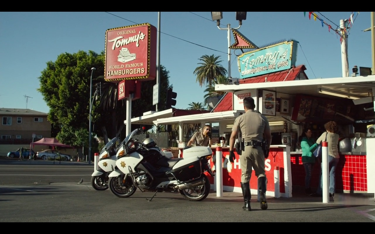 Original Tommy's Hamburger Restaurant Chain – CHIPS (2017) Movie Product Placement
