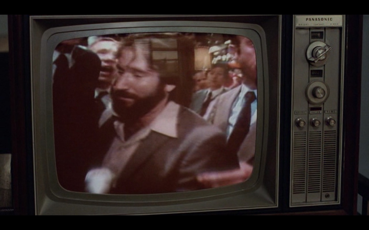 Panasonic TV – Moscow on the Hudson (1984) Movie Product Placement
