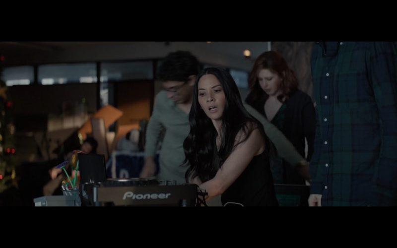 Pioneer DJ Equipment – Office Christmas Party (2016) Movie Product Placement