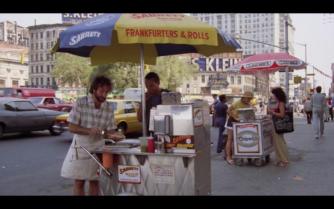 Sabrett Hot Dogs and Chipwich Ice Cream – Moscow on the Hudson (1984) Movie Product Placement