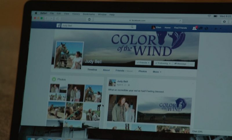 Safari and Facebook – To The Bone (2017) Movie Product Placement