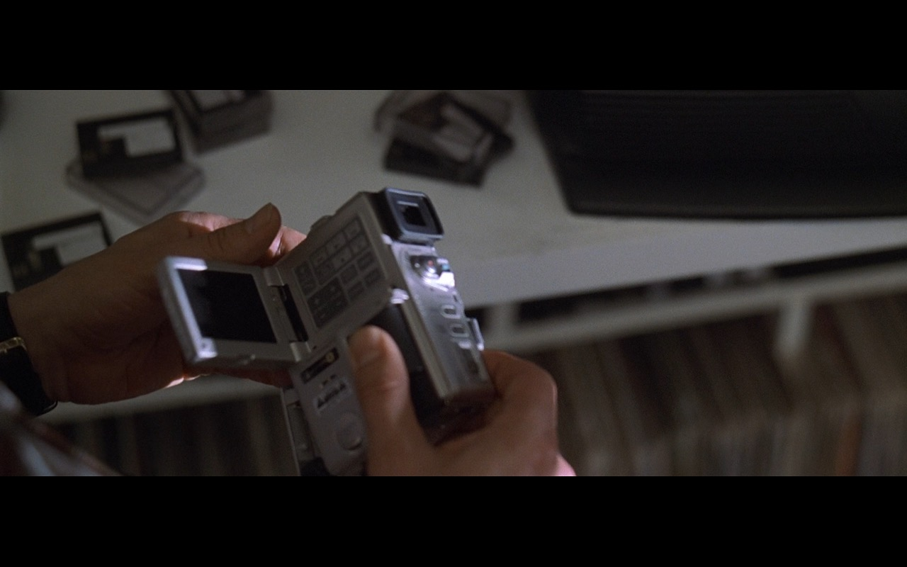Sony DCR-PC1 Camcorder - American Beauty (1999) Movie Product Placement