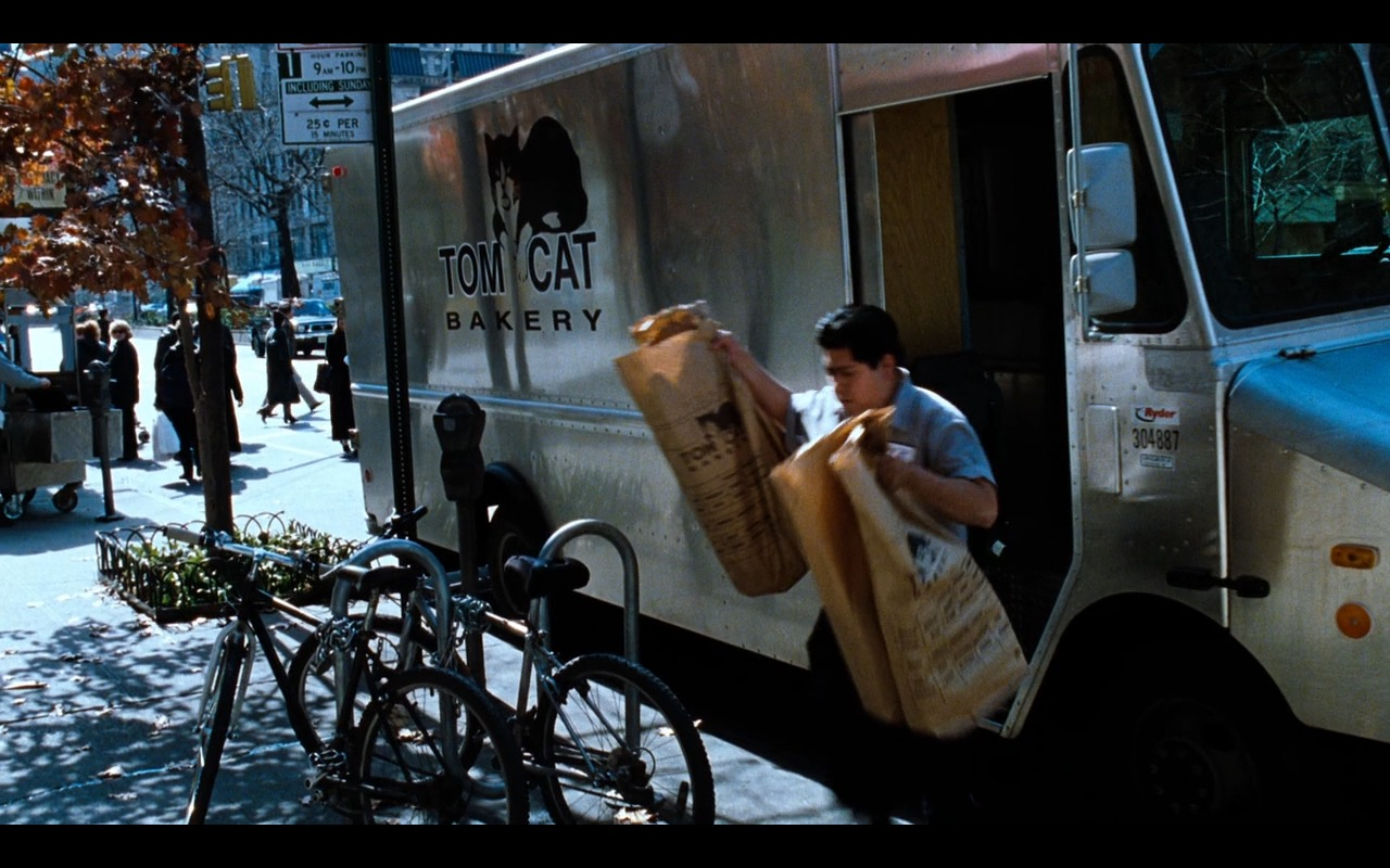 Tom Cat Bakery – You've Got Mail (1998) Movie Product Placement