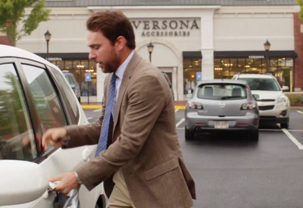 Versona Women's Clothing Store – Fist Fight (2017) Movie Product Placement