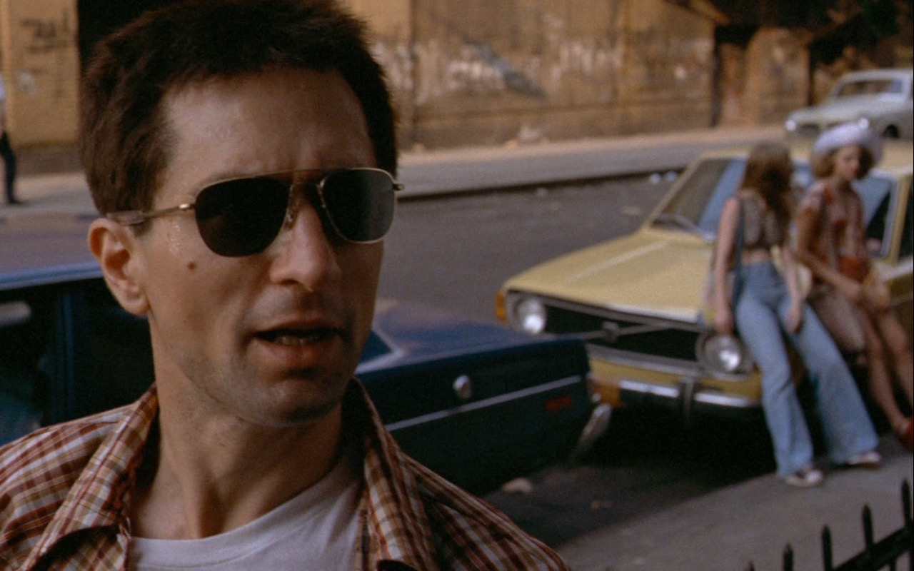 Ray-Ban Sunglasses worn by Robert De Niro in Taxi Driver (1976) Movie Product Placement