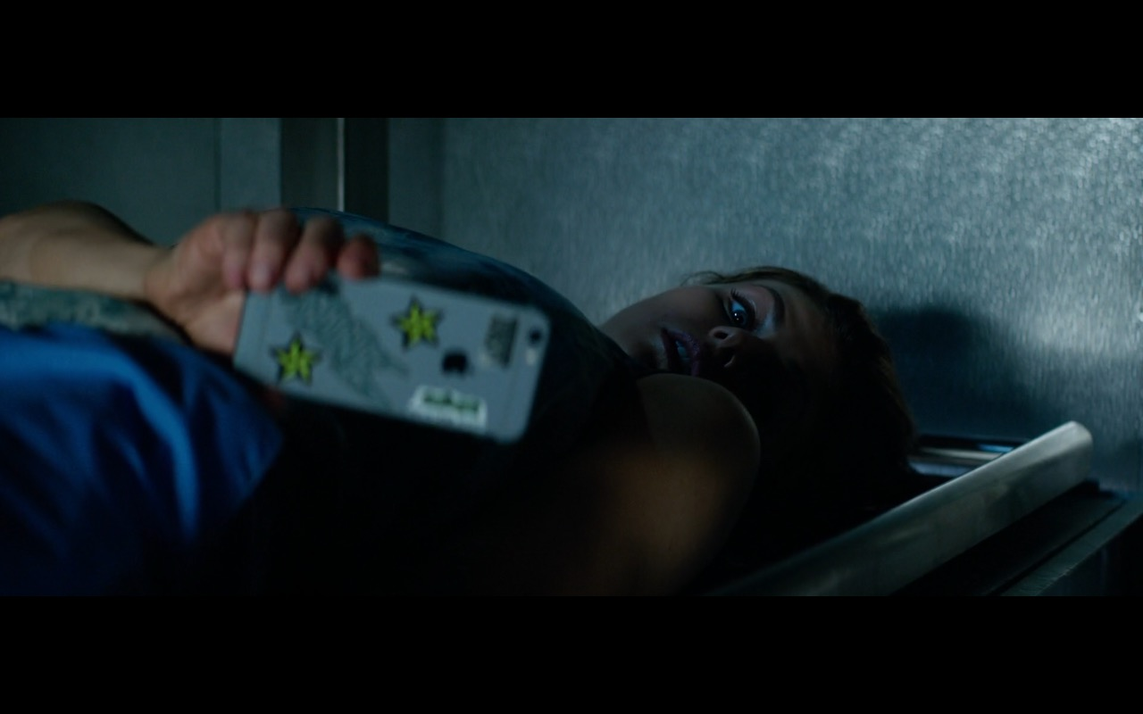 Apple iPhone used by Alexandra Daddario in Baywatch (2017) Movie Product Placement