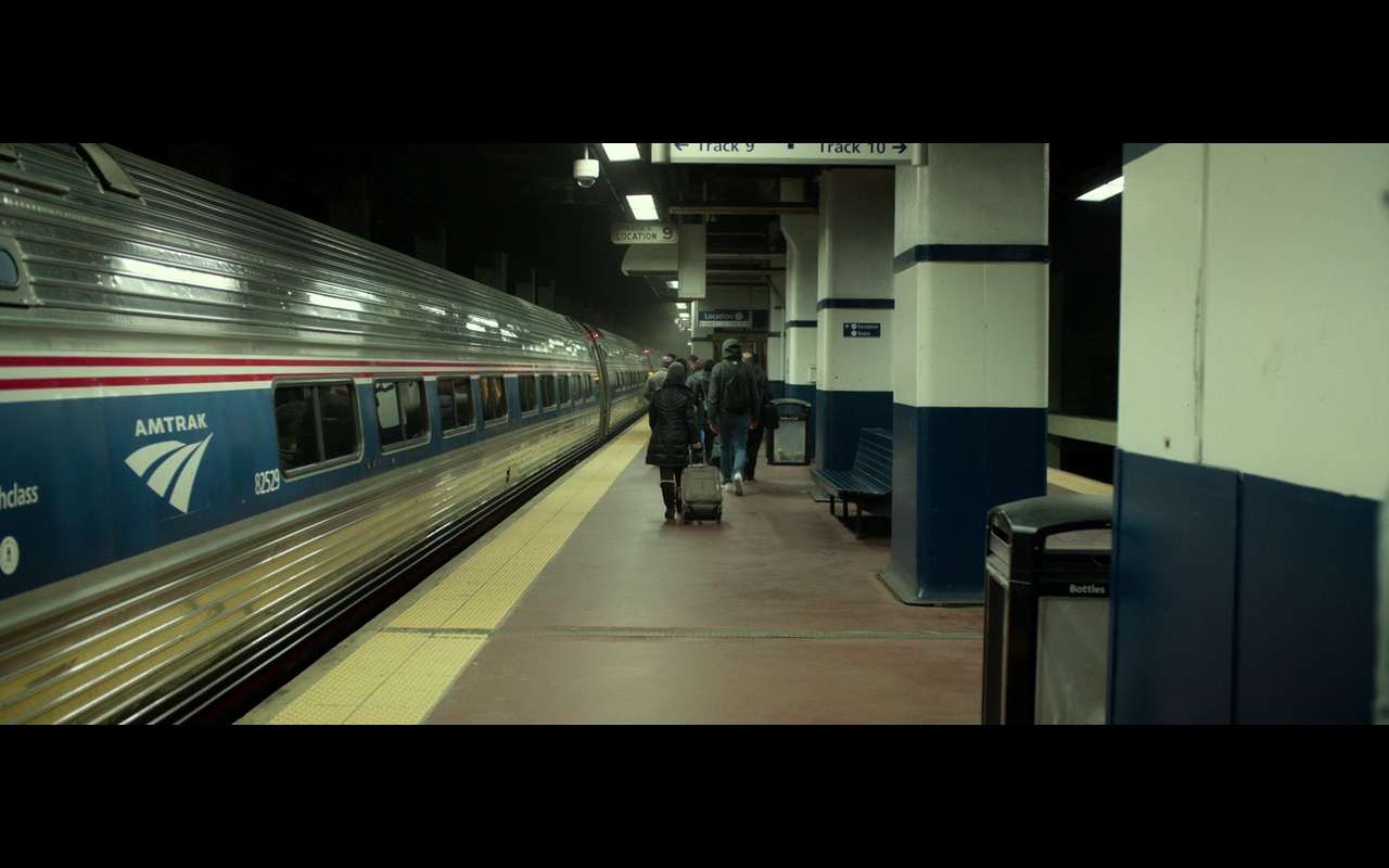 Amtrak Train – Split (2016) Movie Product Placement