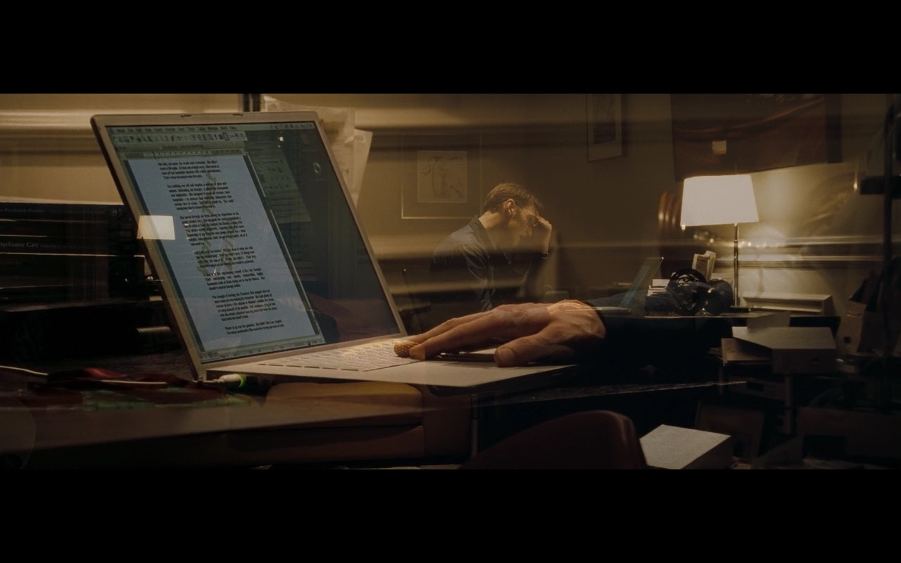 Apple PowerBook G4 - Basic Instinct 2 (2006) Movie Product Placement