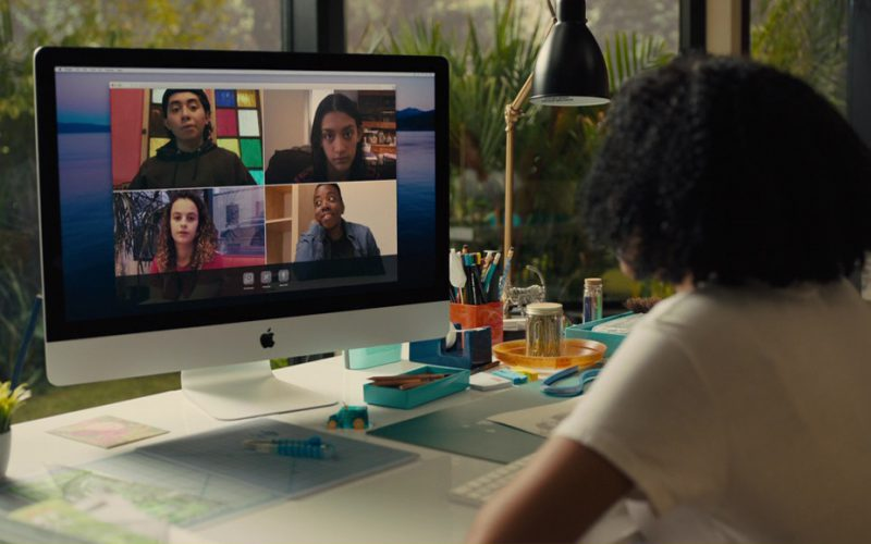 Apple iMac Computer used by Amandla Stenberg in Everything, Everything (2)