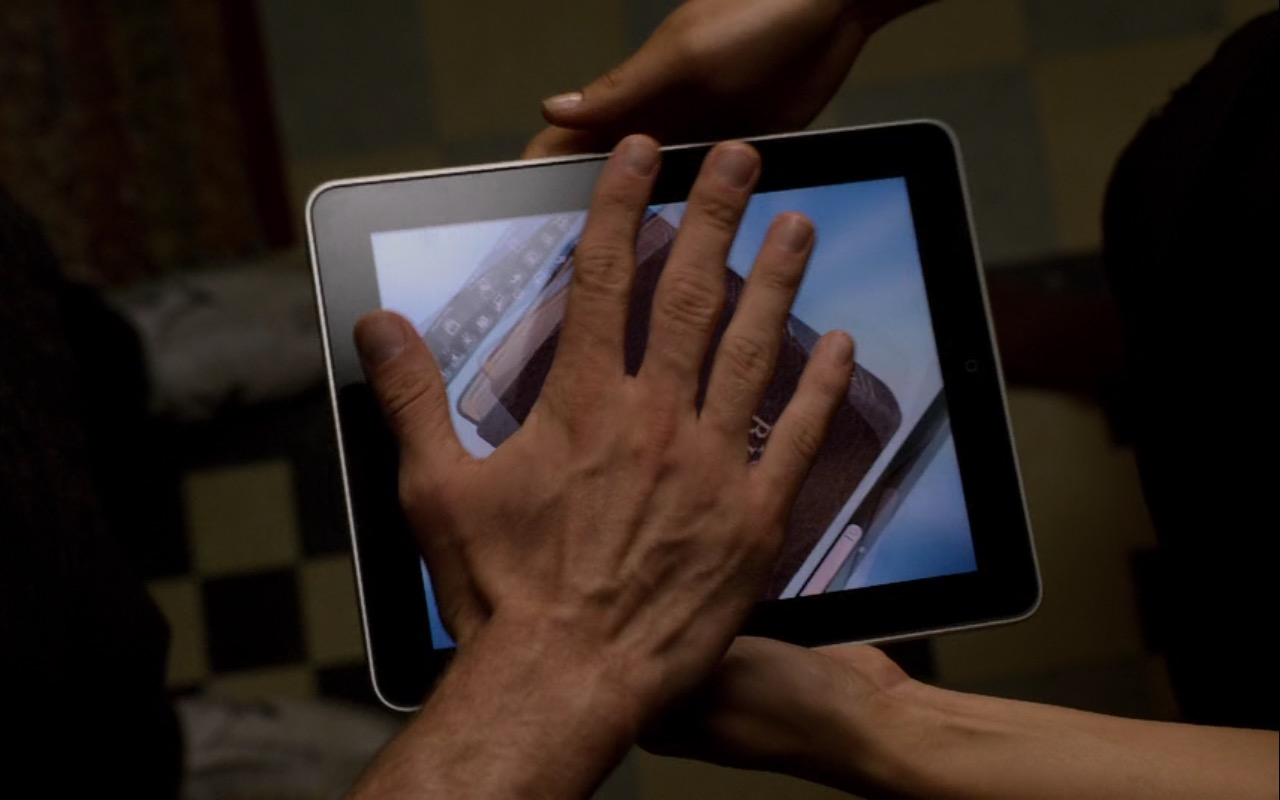 Apple iPad Tablet - Friends with Benefits (2011) Movie Product Placement