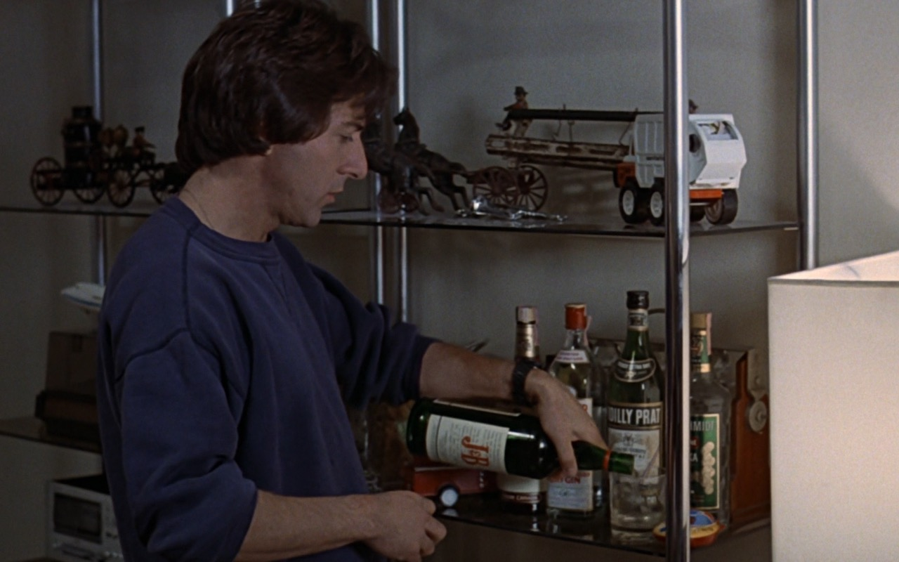 Seagram's, Beefeater, Noilly Prat, J&B - Kramer vs. Kramer (1979) - Movie Product Placement