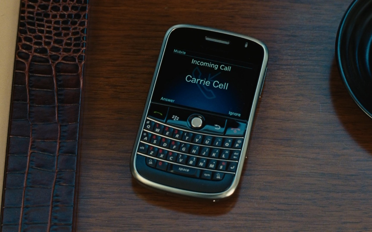 Blackberry Phone - Sex and the City 2 (2010) Movie Product Placement