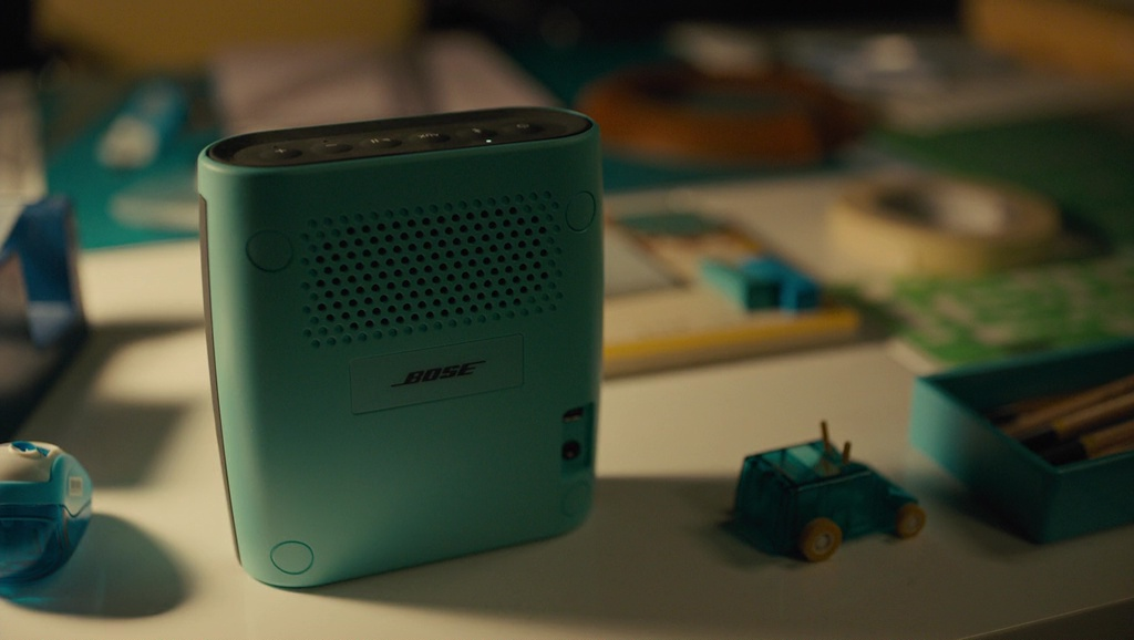 Bose Wireless Speaker – Everything, Everything (2017) Movie Product Placement