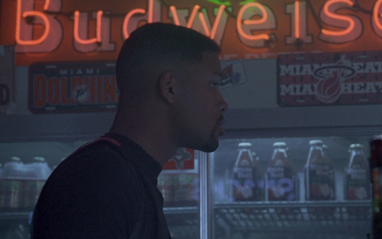 Budweiser Neon Signs – Bad Boys (1995) - Movie Product Placement