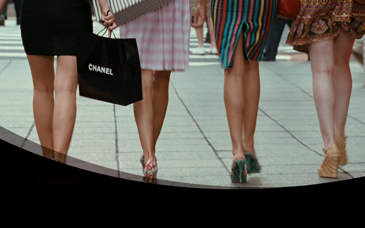 Chanel Black Paper Bag – Sex and the City (2008) Movie Product Placement