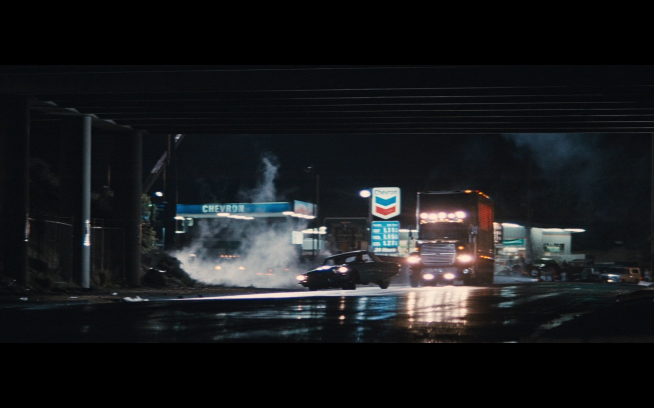 Chevron Gas Station – Thelma & Louise (1991) Movie Product Placement