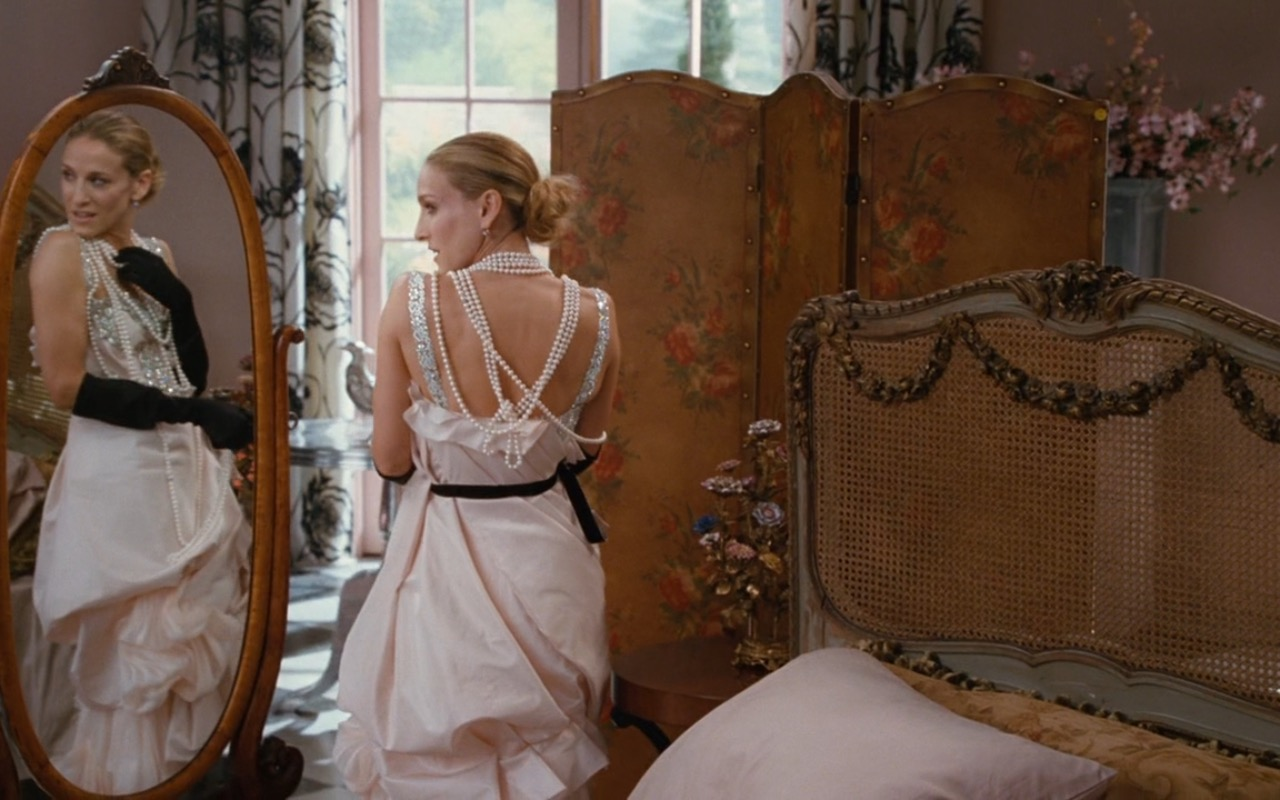 Christian Lacroix Wedding Dress Worn by Sarah Jessica Parker as Carrie Bradshaw in Sex and the City (2008) - Movie Product Placement
