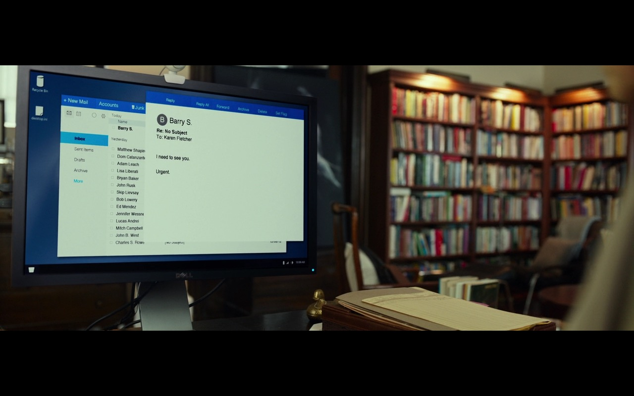 Dell Monitor - Split (2016) Movie Product Placement