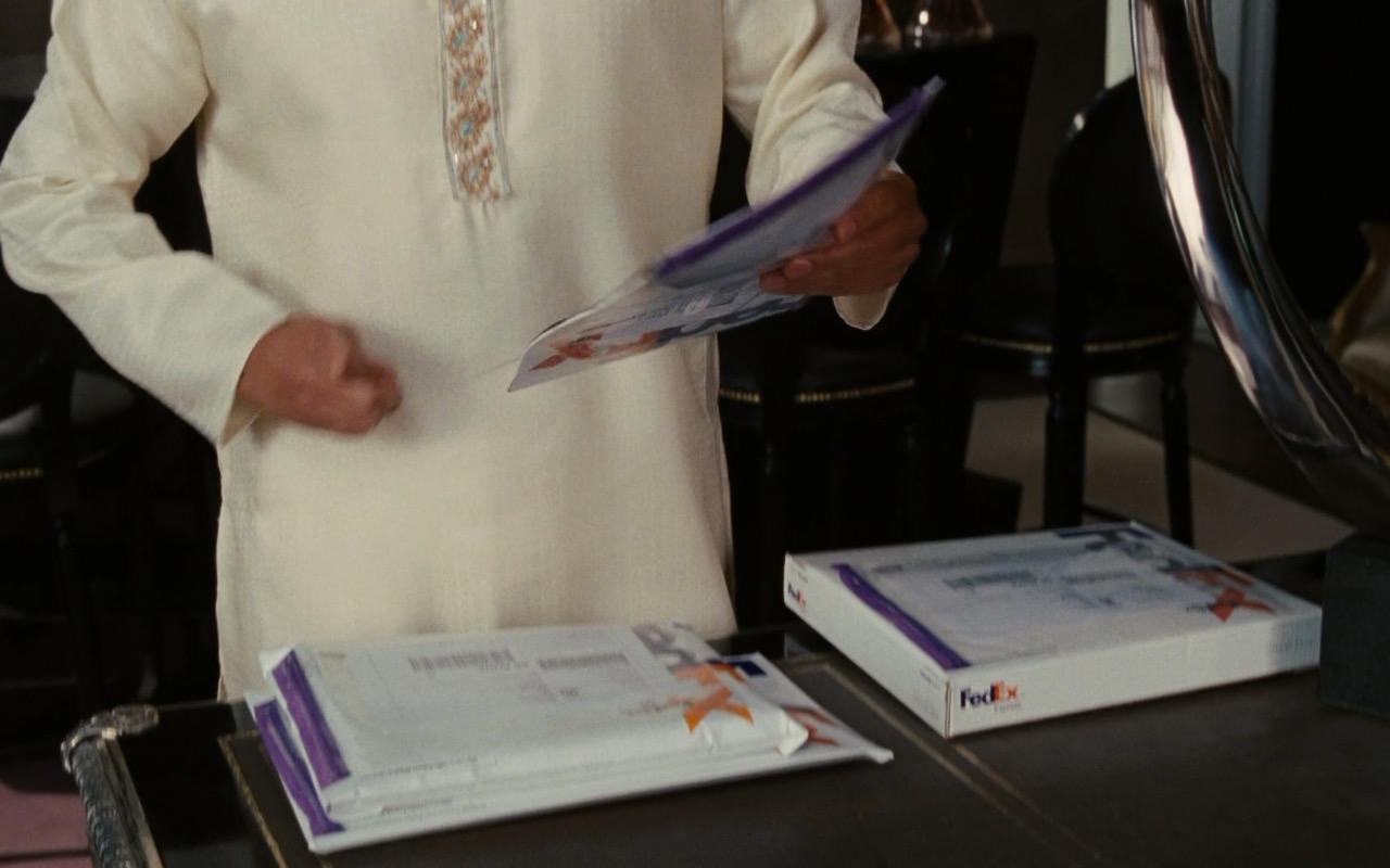 FedEx Package - Sex and the City 2 (2010) Movie Product Placement